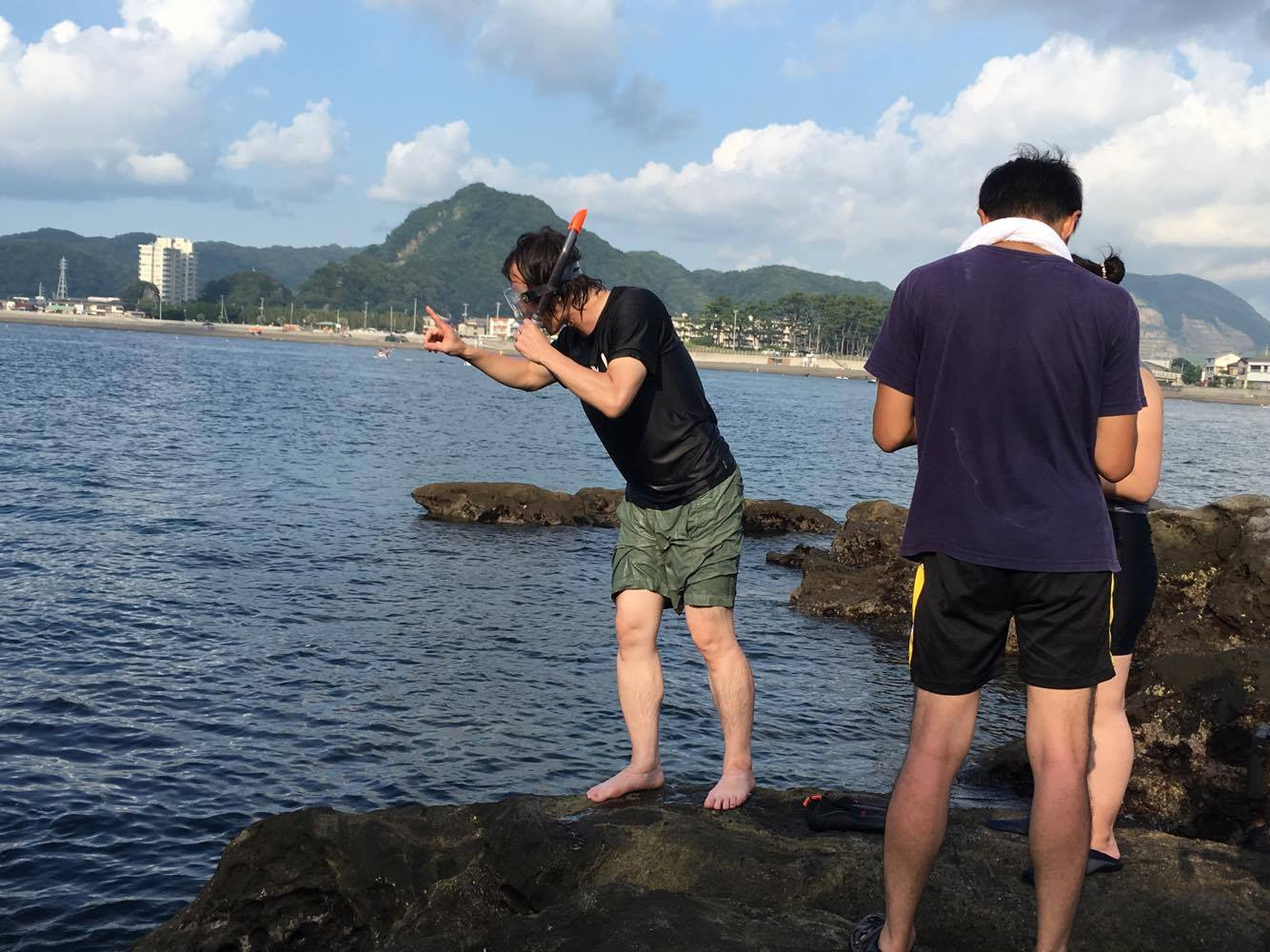 Nasz reżyser Yoda-san po nagraniach podwodnych. [fot. Aiko Tachi]