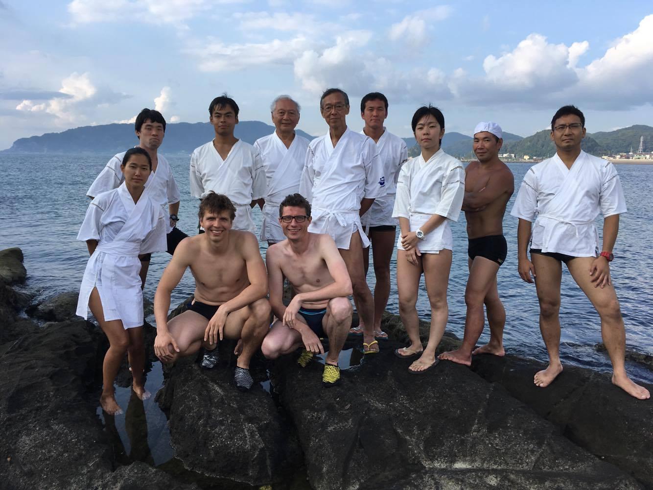Przedstawiciele szkoły Shinden-ryu oraz my. [fot. Aiko Tachi]